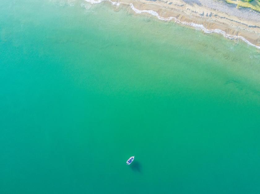 sea, flat, bluegreen, loan boat, peaceful
