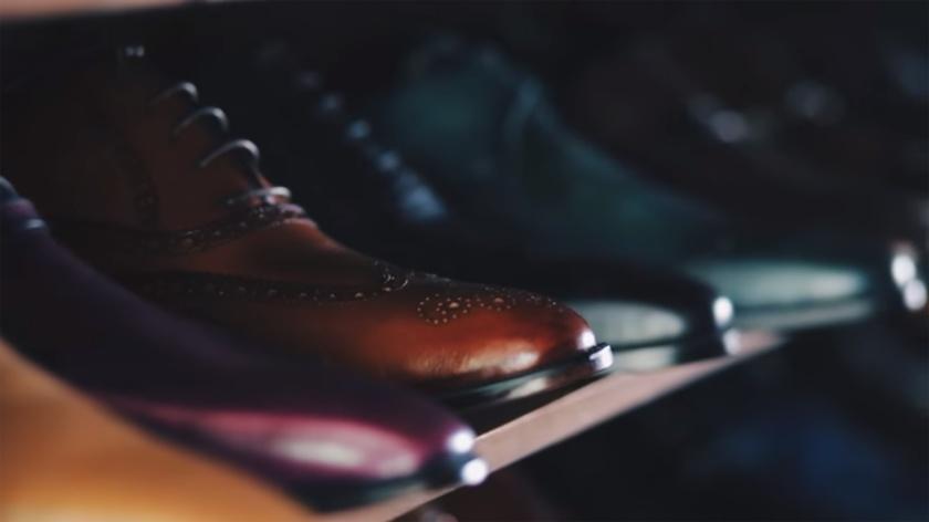 https://unsplash.com/search/shoes?photo=EjVWRqzVLP4