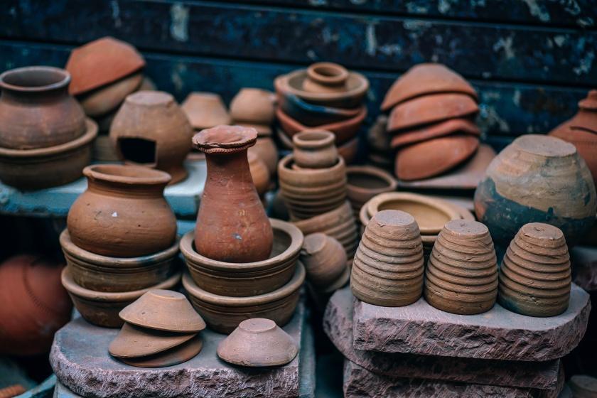 igor-ovsyannykov https://unsplash.com/search/pottery?photo=HT_MKv4MuVc