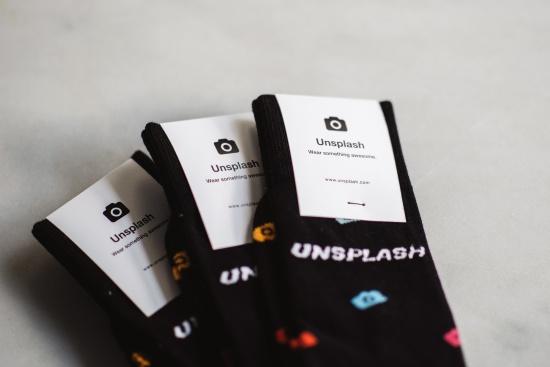 https://unsplash.com/search/sock?photo=PzRsKs6D5vw