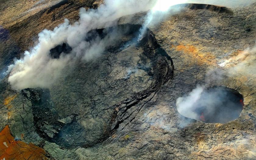vivek-krishnakumar https://unsplash.com/search/lava?photo=9UUge-2dWwM