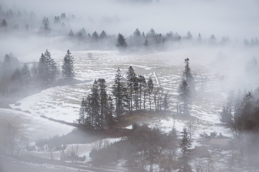 adrian https://unsplash.com/search/photos/snow?photo=gcNTpK0zy_M